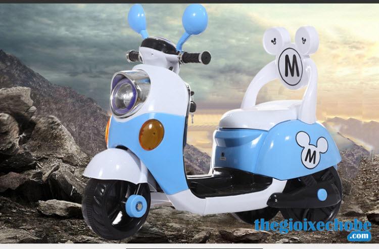 Xe máy điện trẻ em 6688M màu xanh