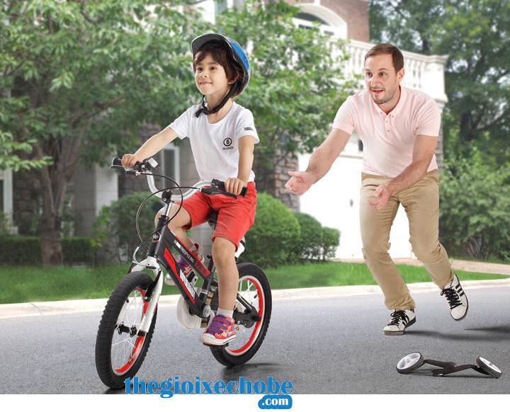 Xe đạp trẻ em RoyalBaby FreeStyle Space No1 RB-17 bánh xe phụ có thể tháo rời