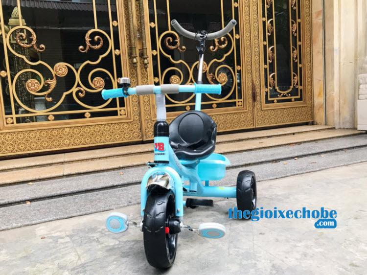 Xe đạp 3 bánh trẻ em 669 màu xanh phía trước xe