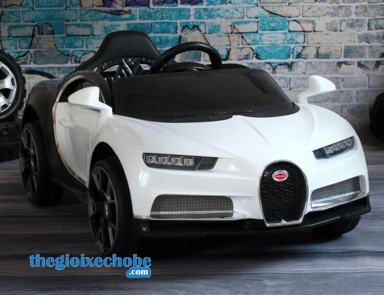 Xe ô tô điện trẻ em BDQ-1188 màu trắng