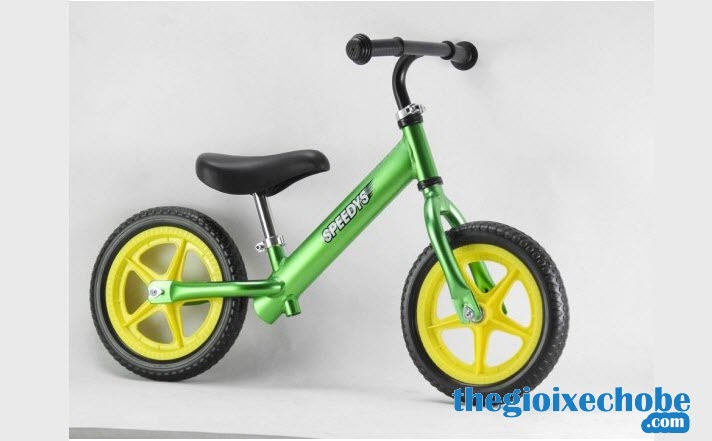 Xe thăng bằng cho bé Speedy S màu xanh lá cây