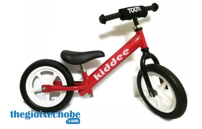 Xe thăng bằng cho bé Kiddee màu đỏ
