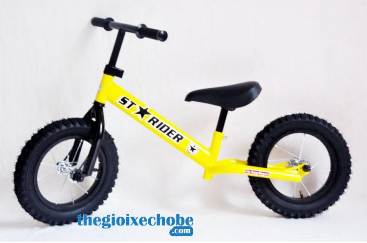Xe thăng bằng cho bé Starider Racing màu vàng
