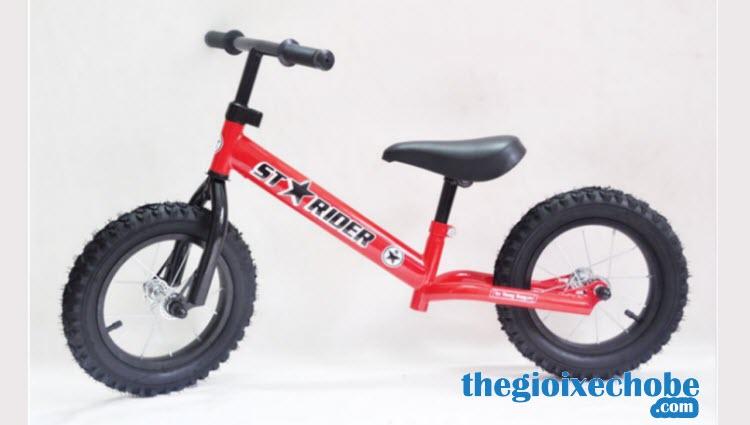 Xe thăng bằng cho bé Starider Racing màu đỏ