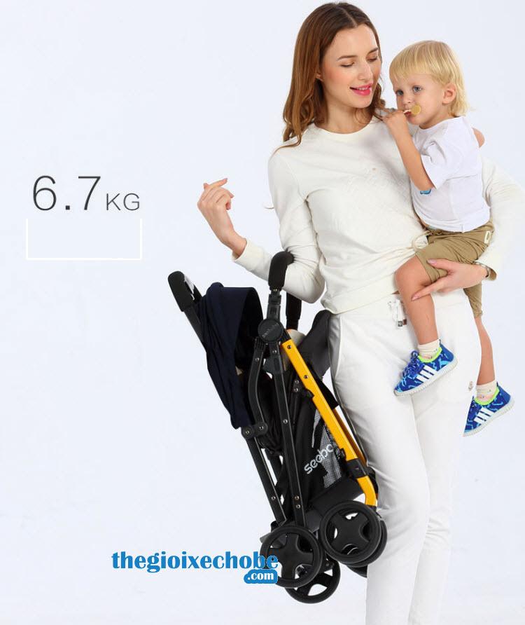 Xe đẩy cho bé Seebaby T04 có trọng lượng siêu nhẹ