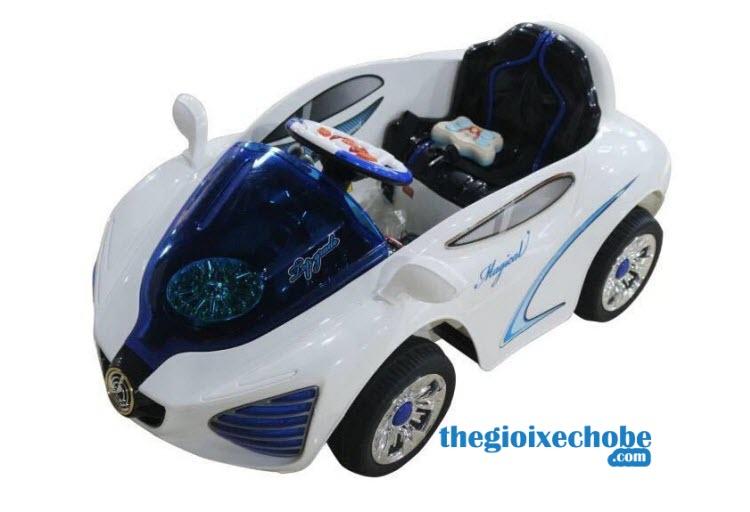 Xe ô tô điện trẻ em YH - 99159 màu trắng