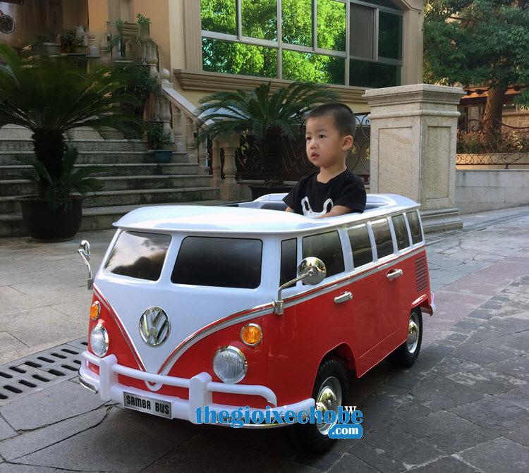 Xe ô tô điên trẻ em 8520091R màu đỏ