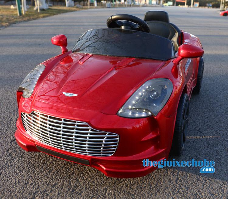 Xe ô tô điện trẻ em XL-5200 màu đỏ