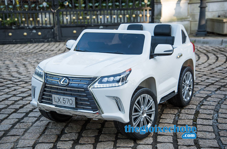 Xe ô tô điện trẻ em LX-570 màu trắng