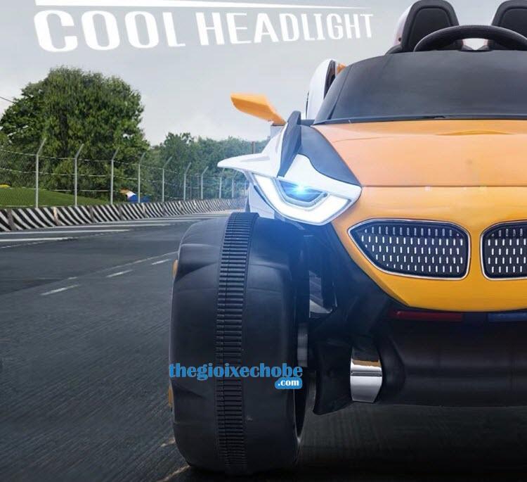 Xe ô tô điện trẻ em XJL688 đẹp