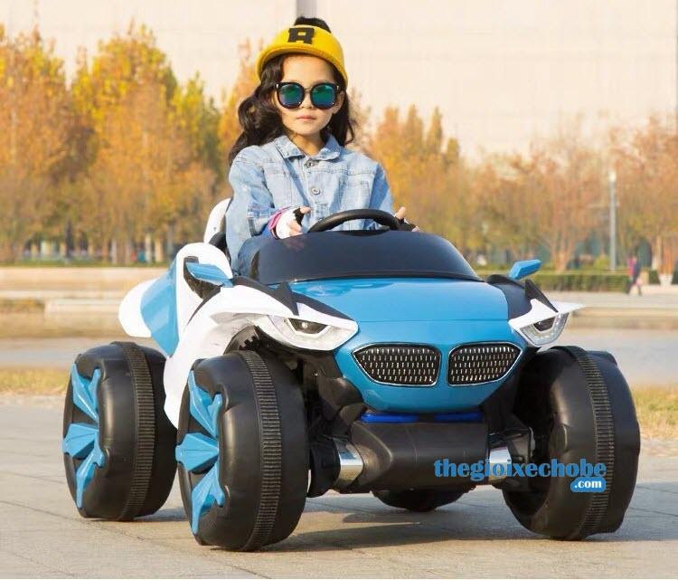 Xe ô tô điện trẻ em XJL-688 màu xanh ngọc