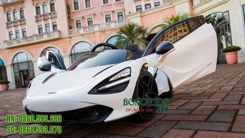 Xe ô tô điện trẻ em 720S màu trắng