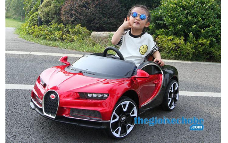 Xe ô tô điện trẻ em BDQ-1188 màu đỏ